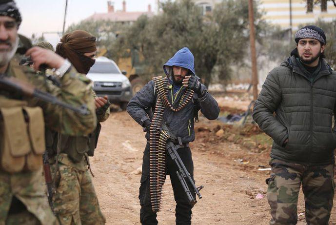 Esed İdlib'te ağır kayıp verdi 24 tank 2 helikopter, yüzlerce silah ve mühimmat