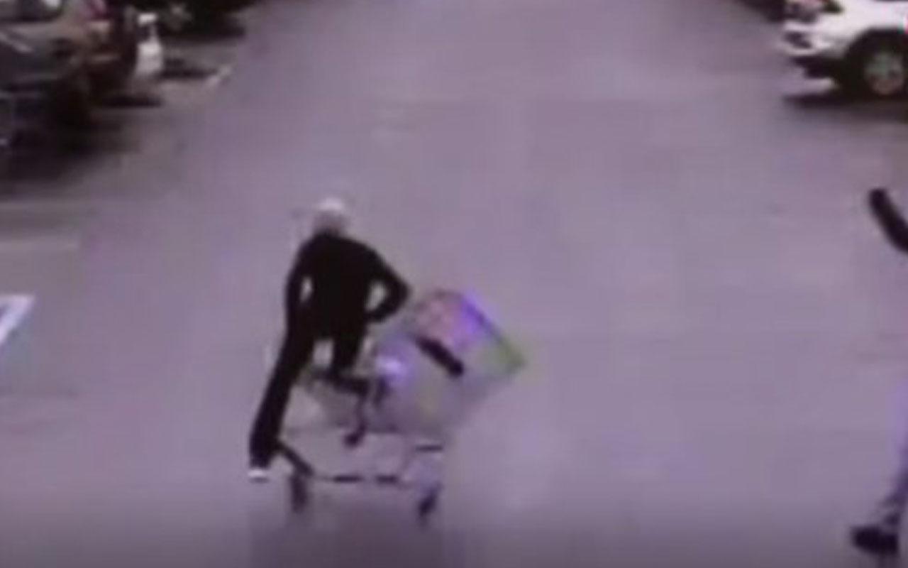 Alışveriş sepetiyle hırsızı yakalattı o anlar kamerada
