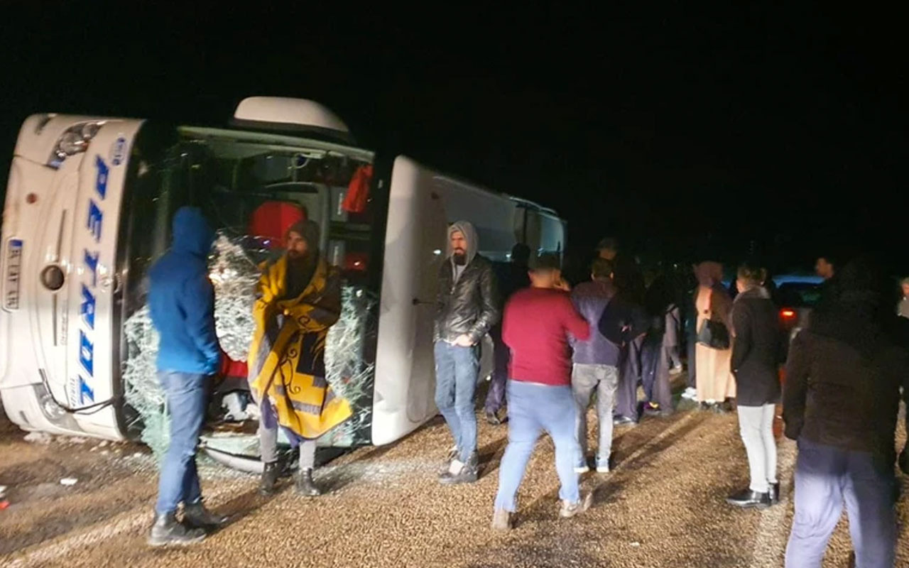 Kayseri'de yolcu otobüsü devrildi!.. Çok sayıda yaralı var!