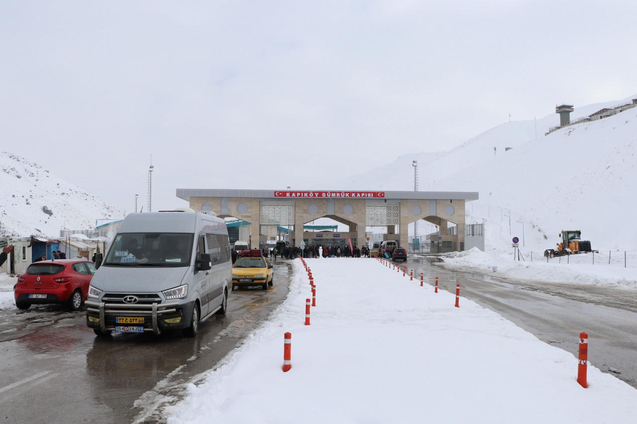 iran türkiye sınır hattı kapıköy sınır kapısı