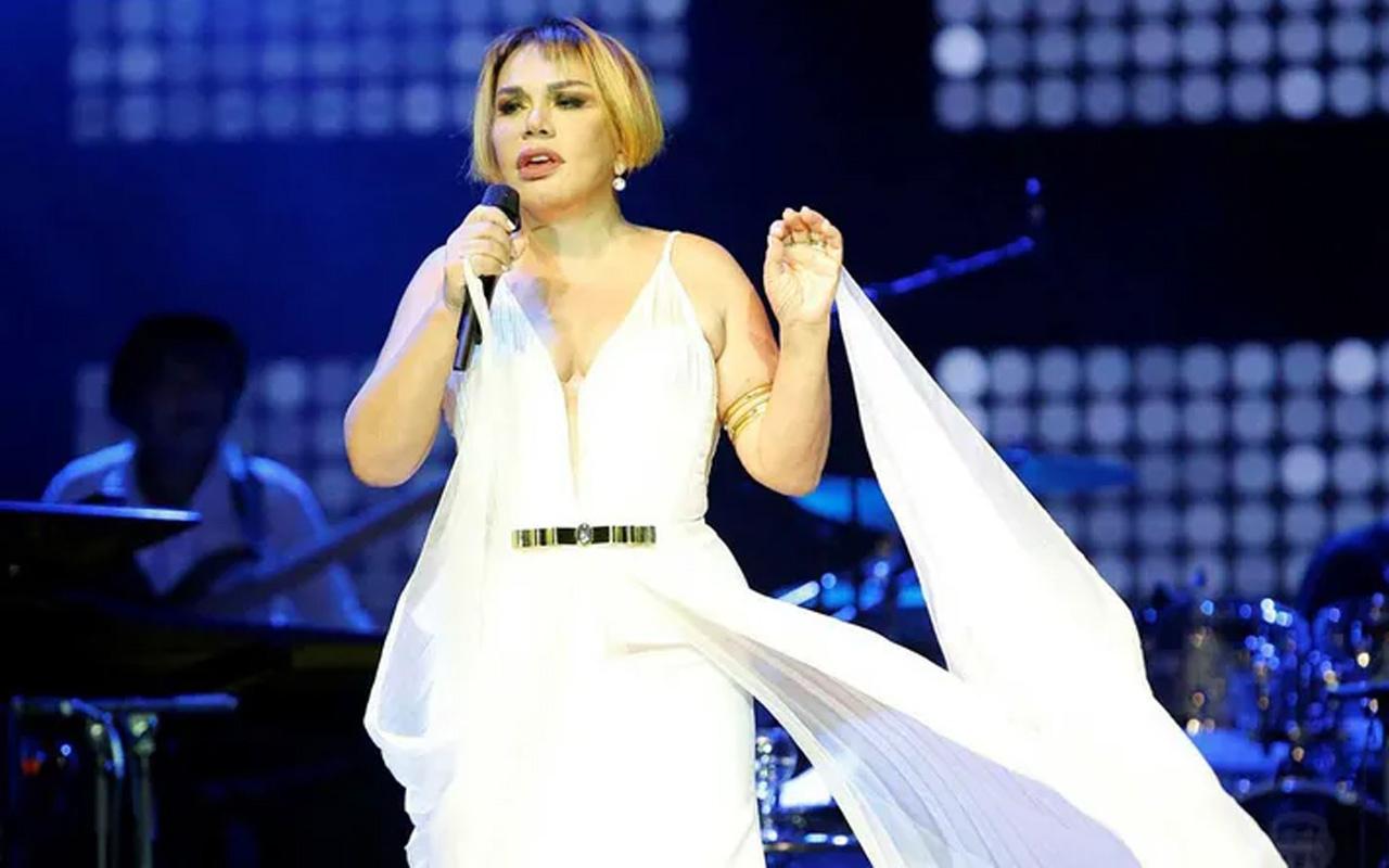 Minik Serçe Sezen Aksu 'Ben De Yoluma Giderim' ile müzik dünyasını salladı!