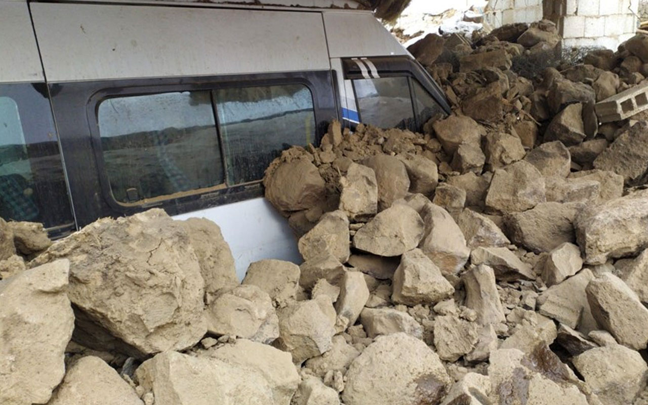 Van'daki depremde ölü sayısı artıyor! Acı haber Sağlık Bakanı Koca'dan geldi