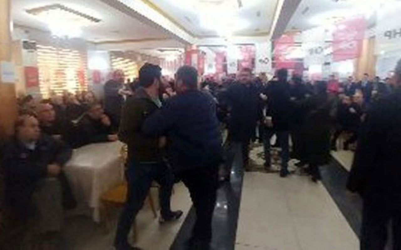 CHP'li vekil danışmanından kadın delegeye tehdit! Otur lan yerine