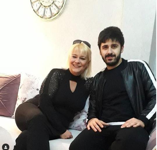 Survivor Tayfun'un annesi kimdir Ebru Çolak kaç yaşında?