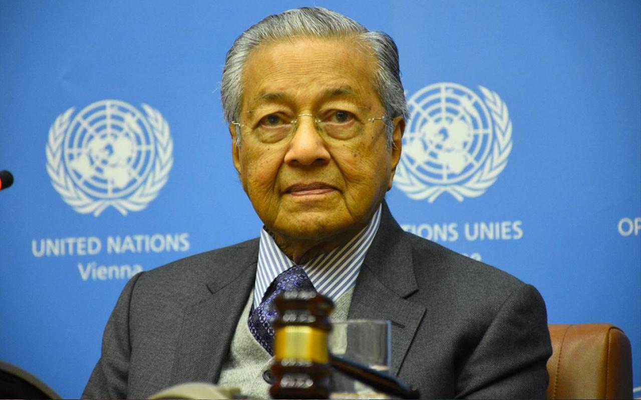 Malezya Başbakanı Mahathir Muhammed flaş istifa kararı