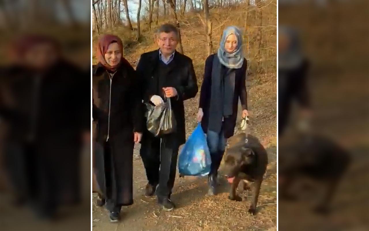 Ahmet Davutoğlu çöp toplamaya çıktı TikTok'ta paylaştı