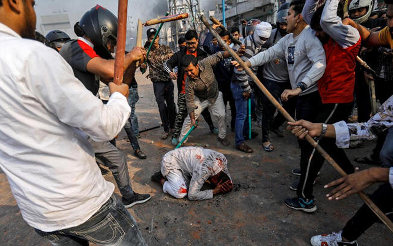 Donald Trump'ın ziyareti Hindistan'ı karıştırdı 3 kişi öldü çok sayıda yaralı var