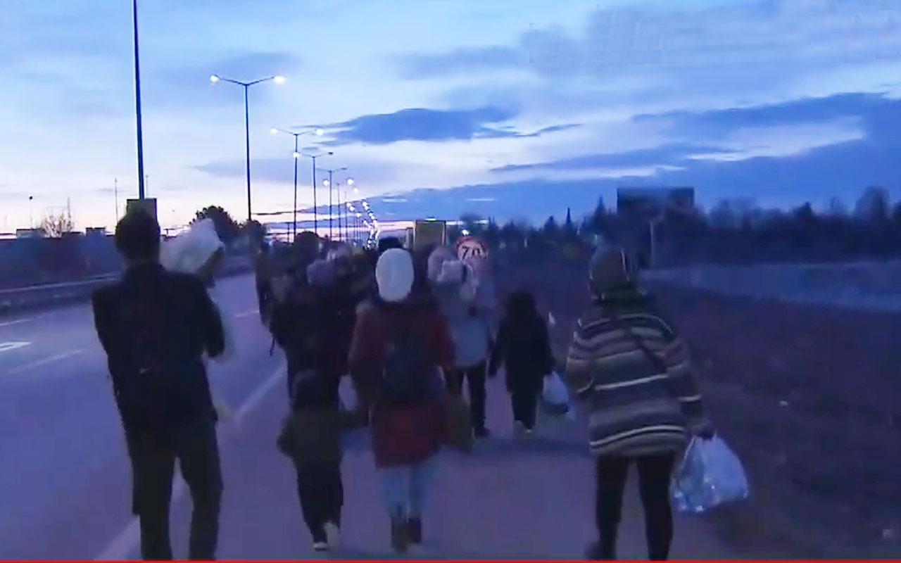 Türkiye kapıları açtı Edirne'de göçmenler Yunanistan sınırına yürüyor işte o görüntüler