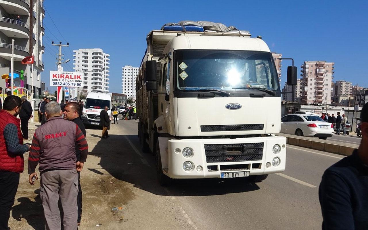 Mersin'de kamyonet ile motosiklet çarpıştı: 1 ölü
