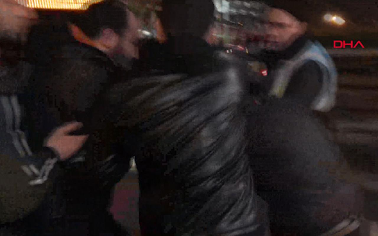 İstanbul'da metrobüste kadın tacizci var diye bağırdı! Tacizciyi haşat ettiler