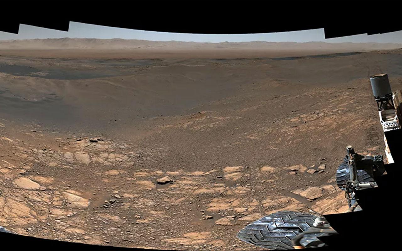 Keşif aracı Curiosity'nin Mars'ta çektiği 'en detaylı panoramik görüntü' yayınlandı