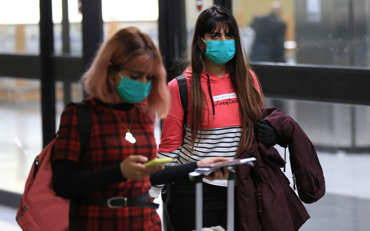 Türkiye'de 4 ilde koronavirüs alarmı! İstanbul uçağındaki yolcuda virüs çıktı