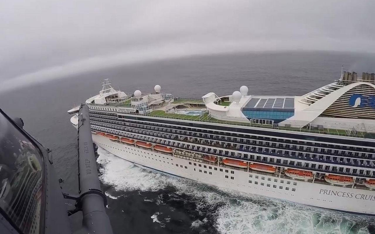 ABD'de bir yolcusu koronavirüsten ölen gemiye havadan test kiti bırakıldı