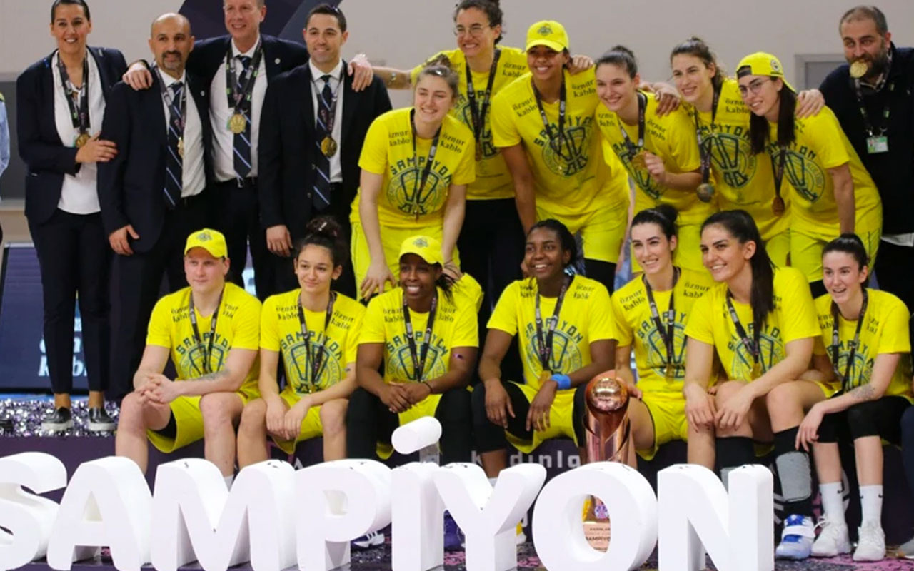 Fenerbahçe Kadınlar Basketbol takımı Türkiye Kupası'nın sahibi oldu