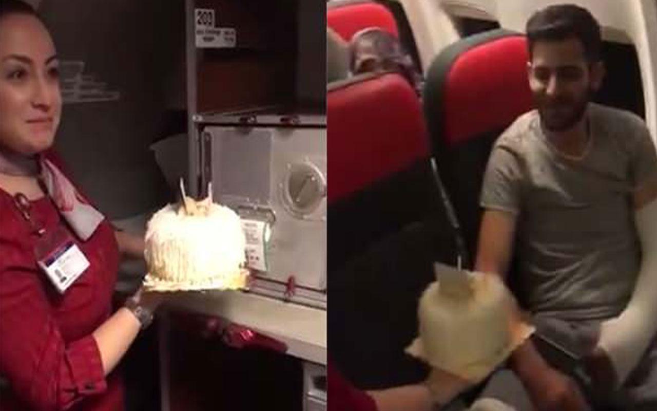 İdlib gazisi Hanözü'ne THY uçağında sürpriz doğum günü kutlaması