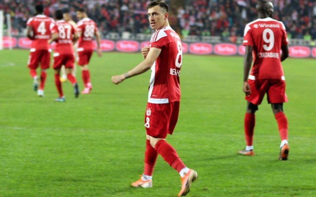 Mert Hakan'dan Galatasaray'a transferi  hakkında: Bizim aile terbiyemiz var