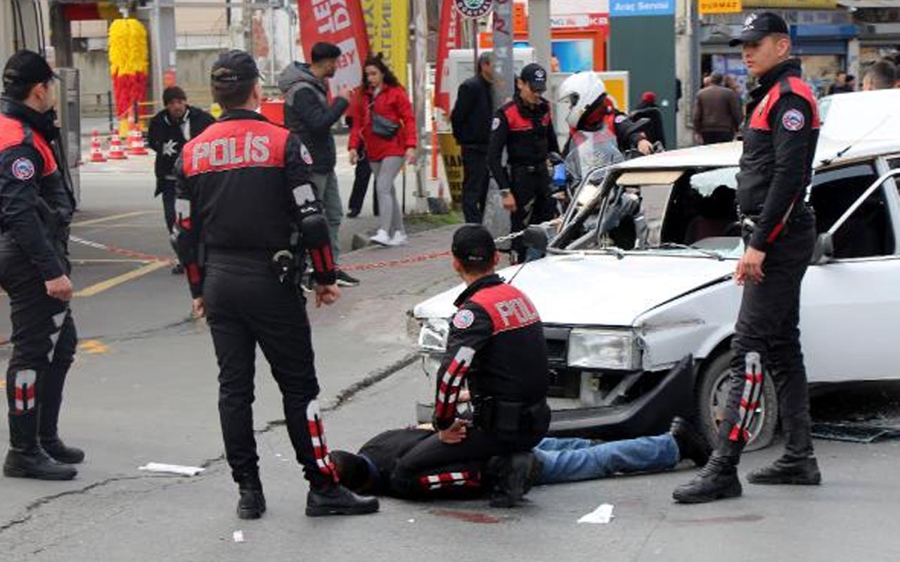 Beyoğlu'nda polisten kaçarken hurdacıya çarptı o anlar kameraya yansıdı