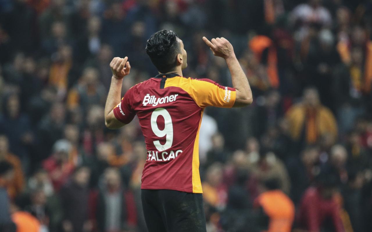 Galatasaray'ın golcüsü Radamel Falcao'ya milli davet