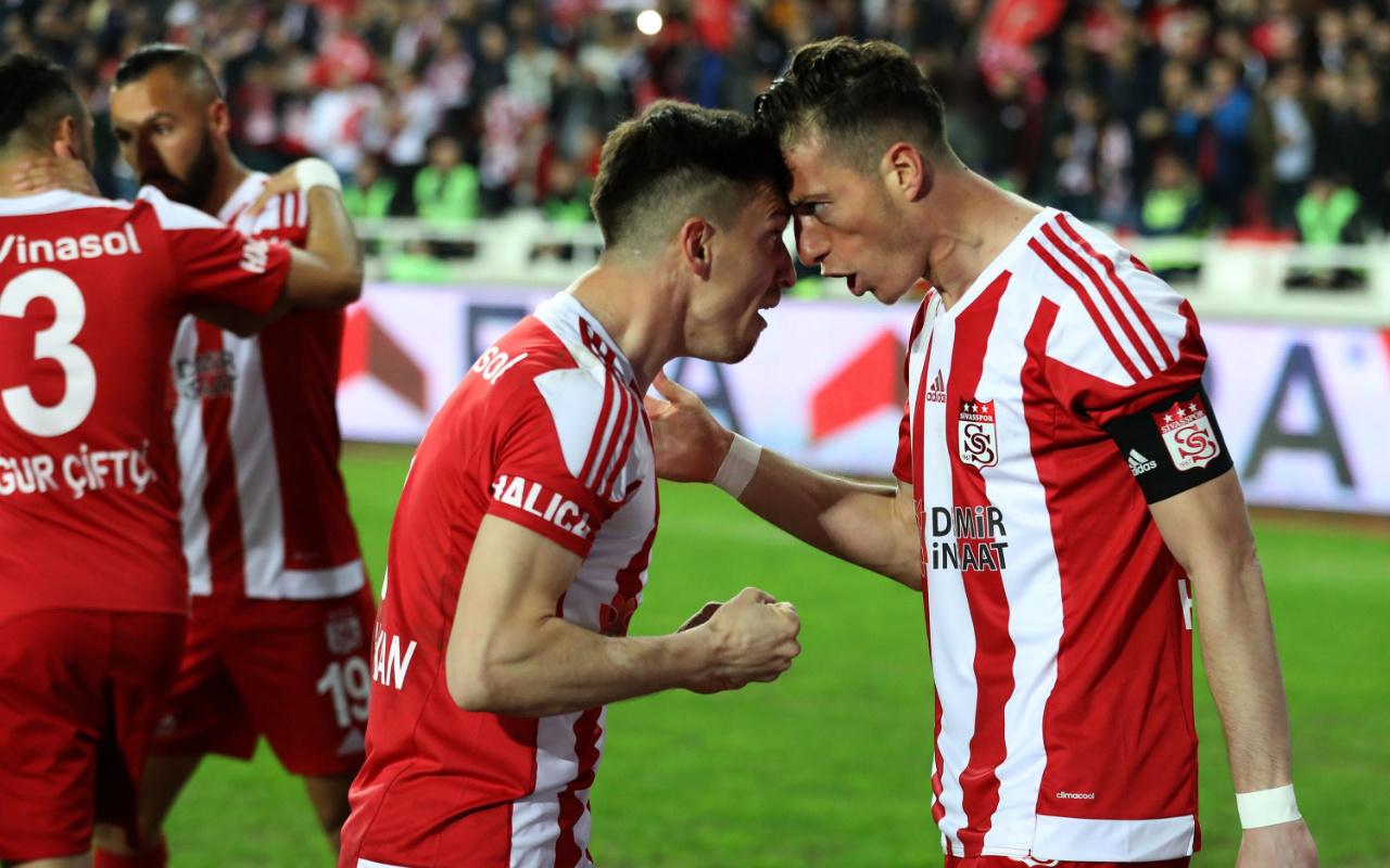Hakan Arslan ve Emre Kılınç ligdeki 8. golünü attı