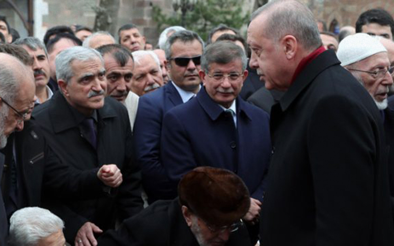 Cumhurbaşkanı Erdoğan cenazede Davutoğlu'nu görmezden geldi