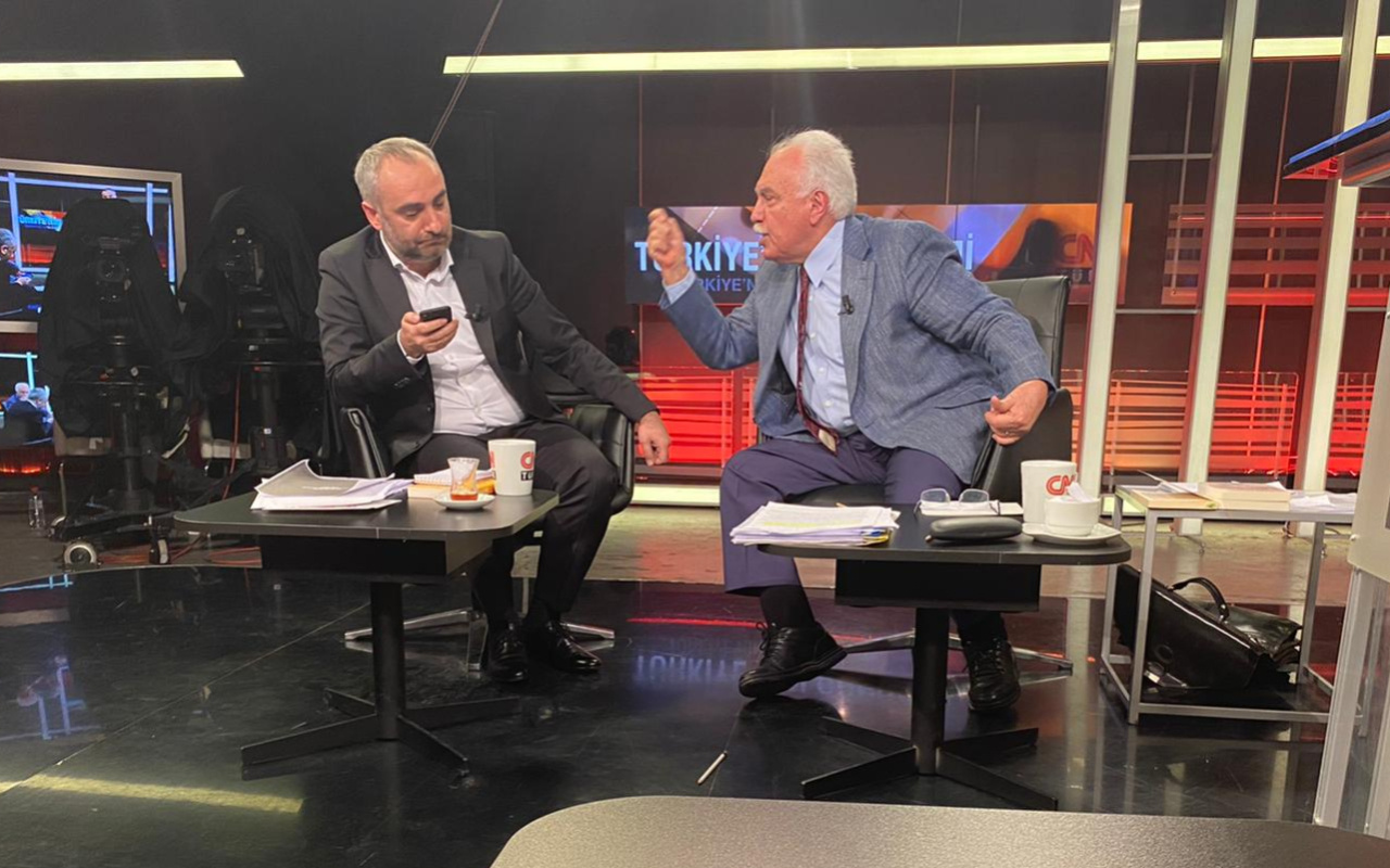 Doğu Perinçek ile İsmail Saymaz'ın CNN Türk'teki kavgası