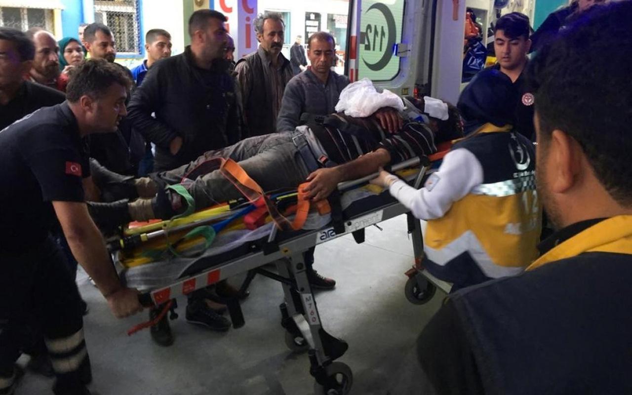Adana'da işçileri taşıyan minibüs kaza yaptı: 3 ölü 14 yaralı