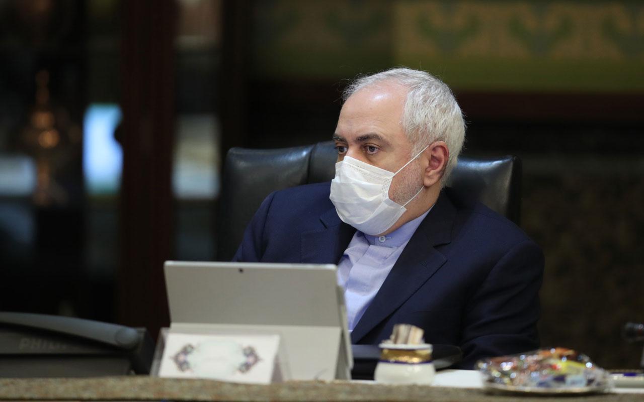 İran'da bakanlar kurulu koruyucu maskeyle ve eldivenle yapıldı