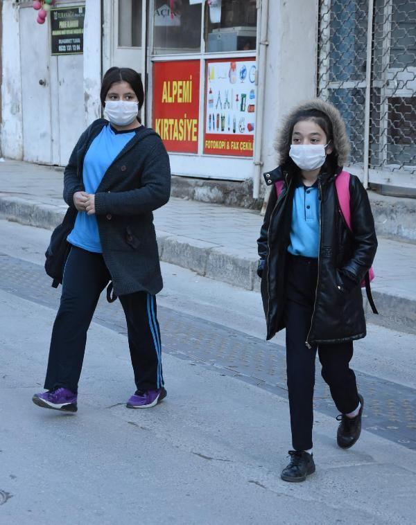 Koronavirüs zirvesi kararları! Türkiye'de okullar tatil mi Diyanet de katıldı