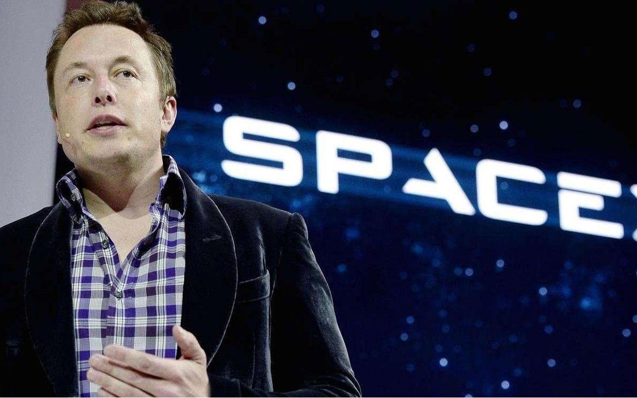 Elon Musk uzay gözlemine engel değil deyip anlattı