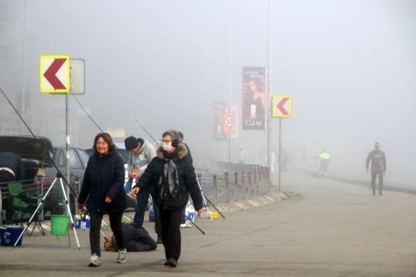 İstanbul'da sis etkili oluyor köprü görünmez oldu