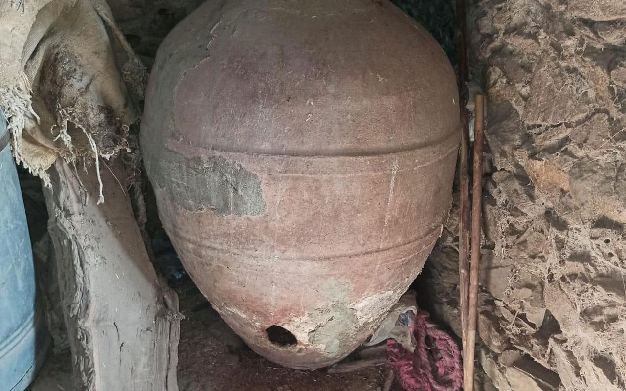 Elazığ'da evin mahzeninde 3 küp bulundu yetkililer apar topar götürdü