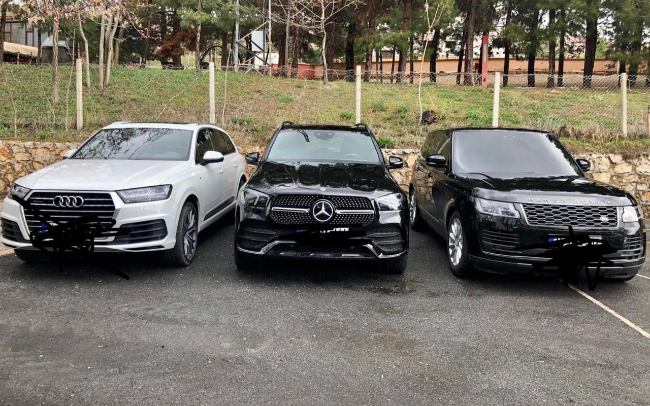 Yurt dışından sahte belgelerle getirdikleri lüks araçları satan suç örgütüne operasyon