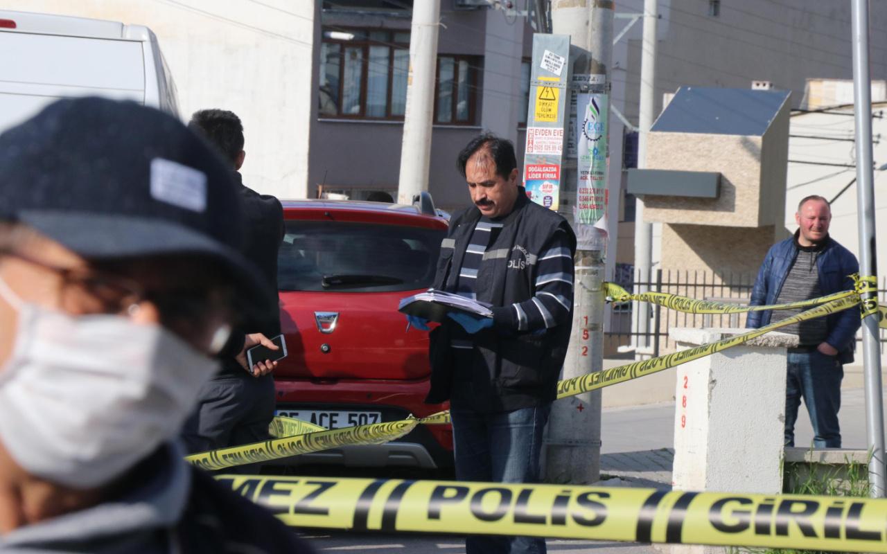 İzmir'de emekli polis iki kişiyi tabancayla yaraladı