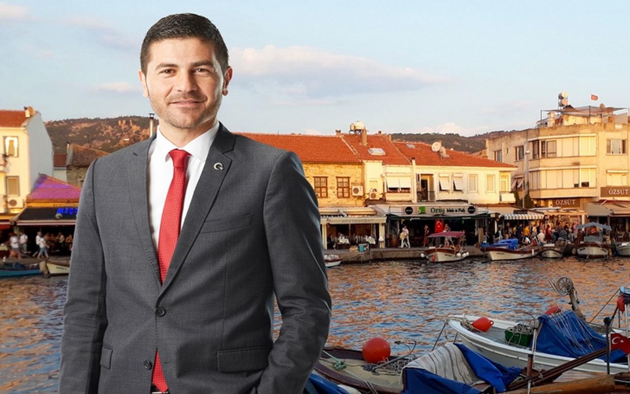 Foça'da 'evinize gidin' diyen belediye başkanı nineden bastonu yedi