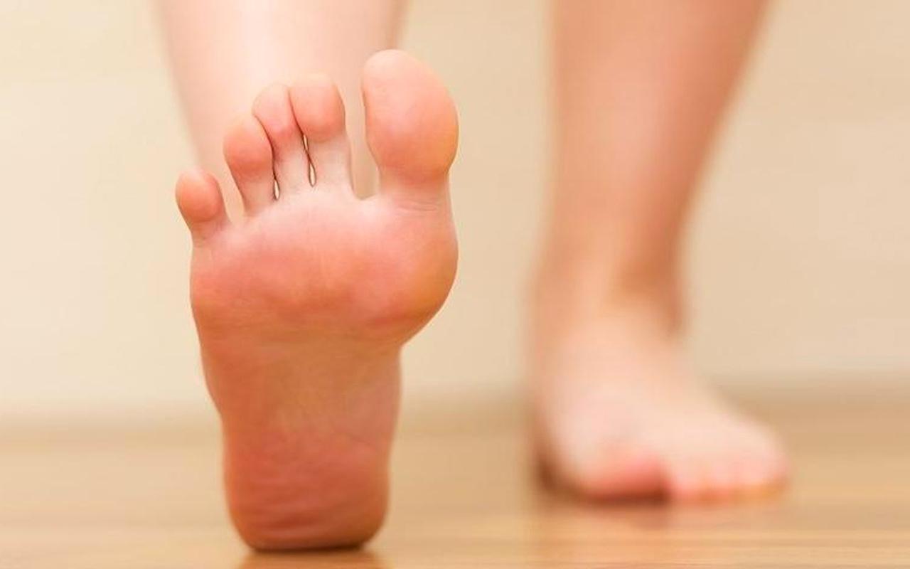 Ayak şişmesi neden olur lenfödem sebebi olabilir!