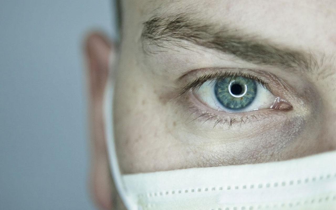 Koronavirüs gözlerden de bulaşır mı?
