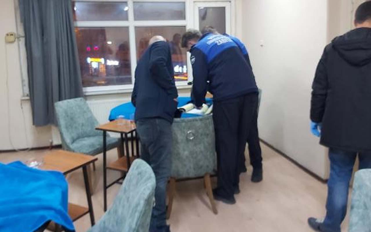 Bursa'da sorumsuzluk diz boyu kahvehanede kumar oynarken yakalandılar