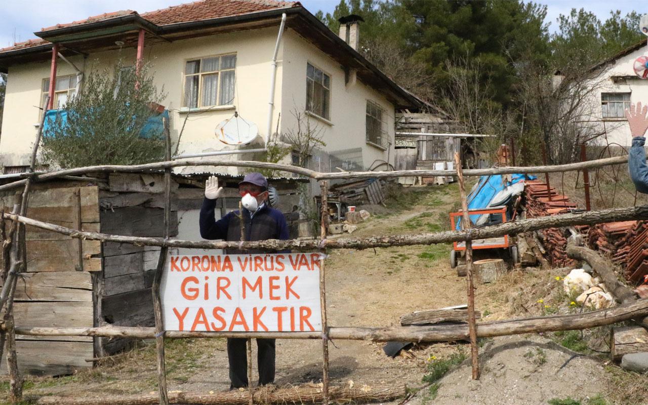 Karabük'te evinin önüne 'Koronavirüs var girmek yasaktır' yazdı