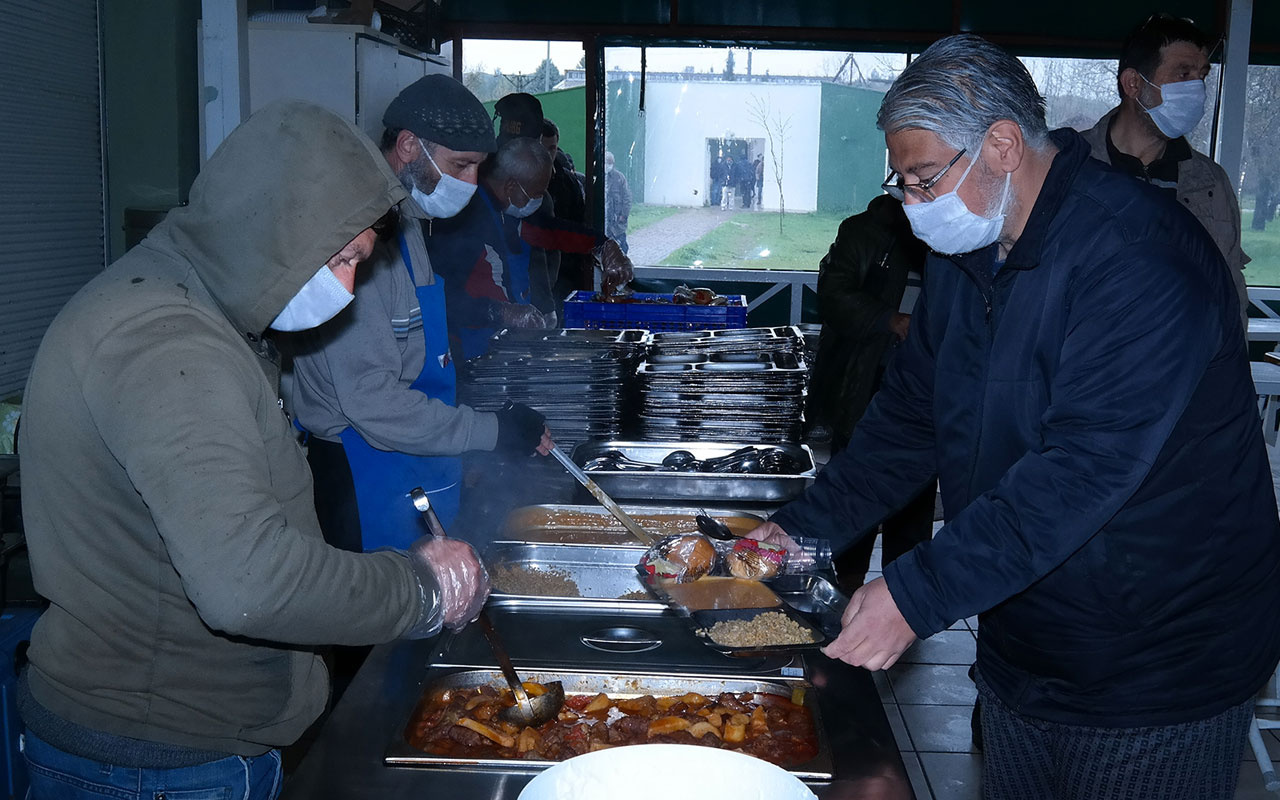 Bursa'da evsizlere virüse karşı koruma kalkanı