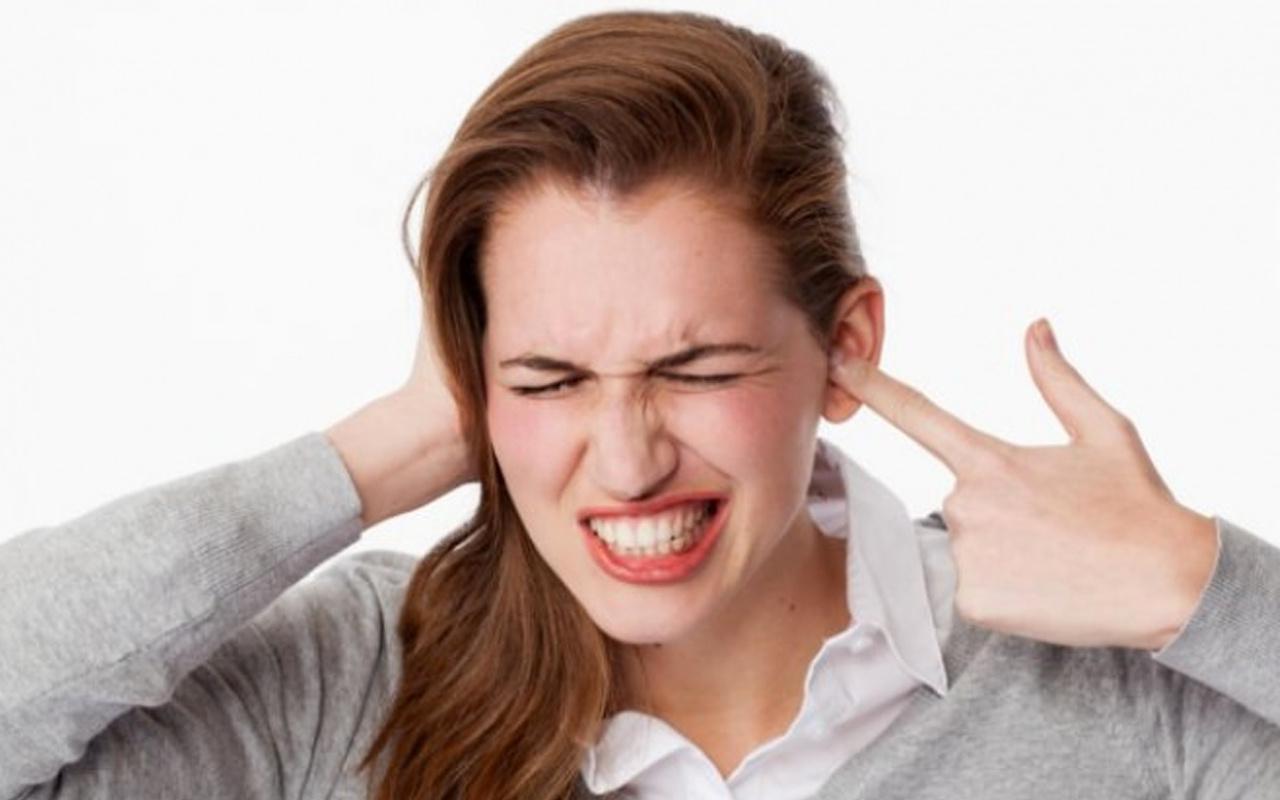 Kulak ağrısına ne iyi gelir sıcak kompres uygulayın!