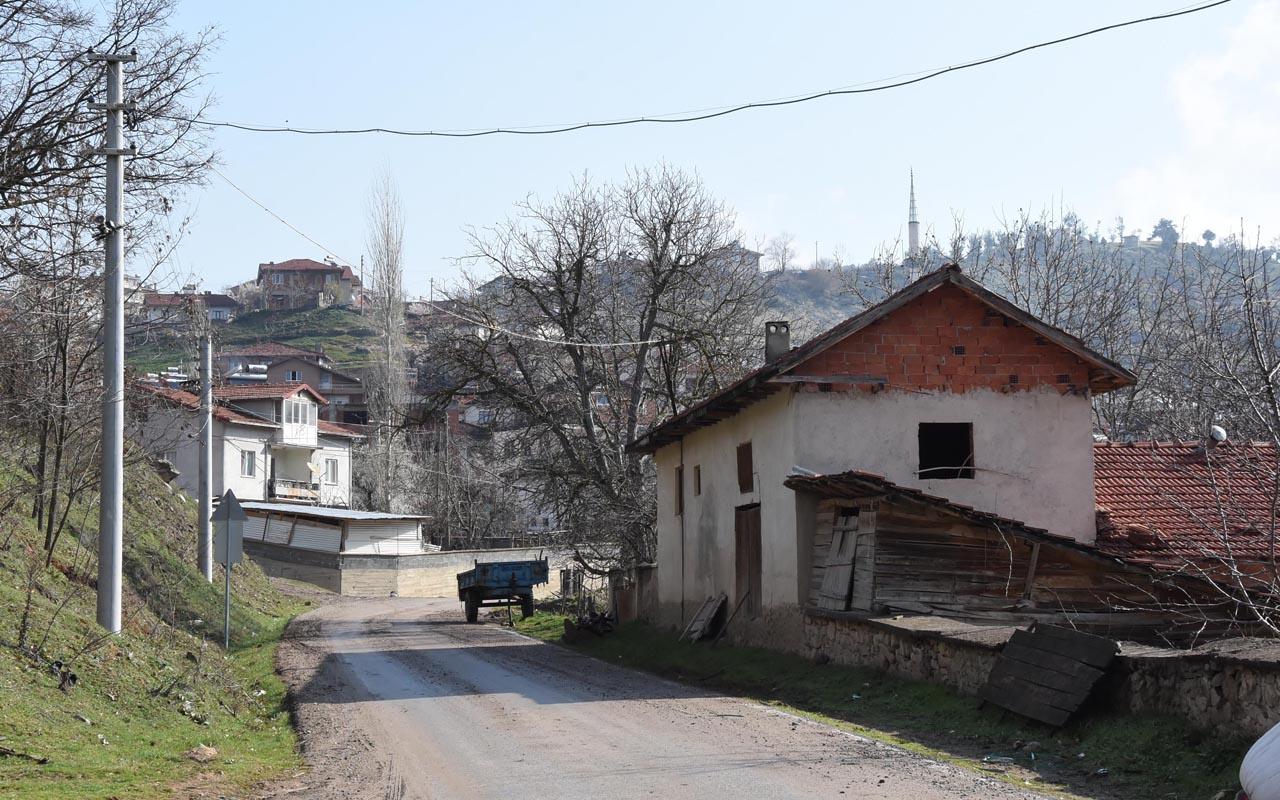 Kütahya'nın karantinadaki Yeşildere köyünde 43 kişiye de ev karantinası