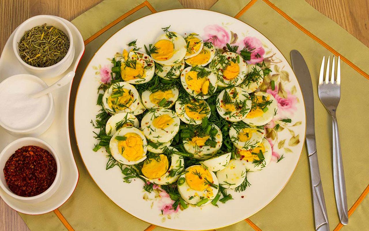 Kahvaltı için farklı bir alternatif yumurta salatası!