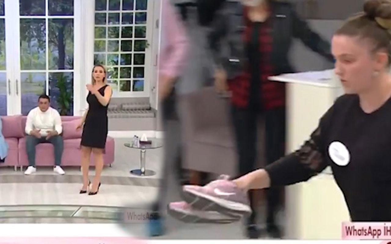 Esra Erol'da ATV canlı yayında Tülay Denizli ayakkabıları önüne atıp gitti