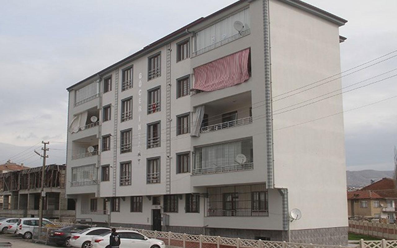 Elazığ'da 5 katlı apartmana koronavirüs karantinası! Polis kapıda nöbet tutuyor