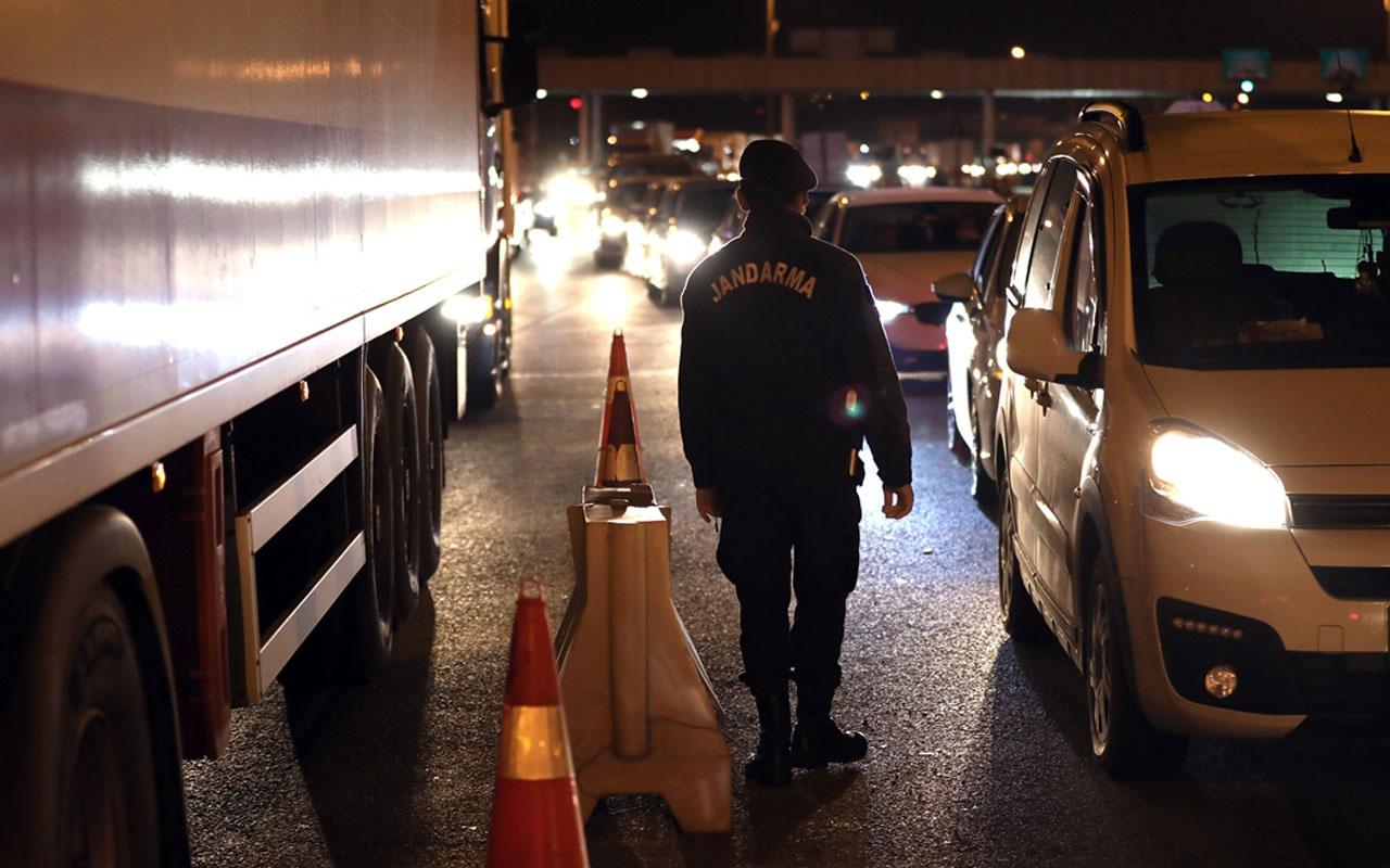 Ankara'da araç giriş ve çıkışları durduruldu