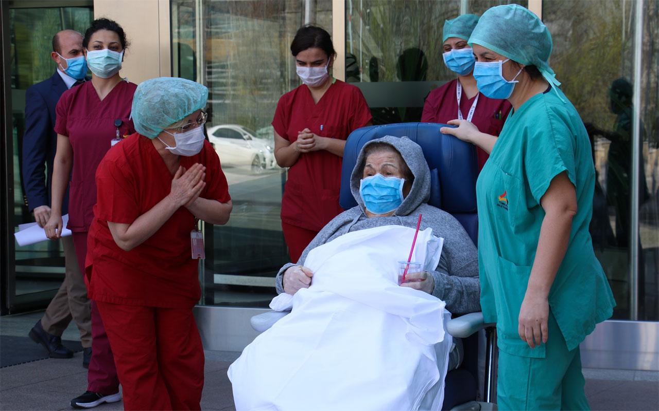 Ankara'da 80 ve 89 yaşlarındaki çift koronavirüsü yendi