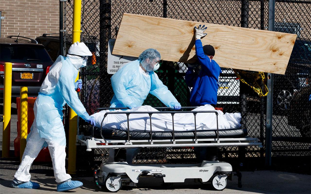 ABD'de koronavirüste rekor ölüm! 1 mezara 10 cenaze gömülecek