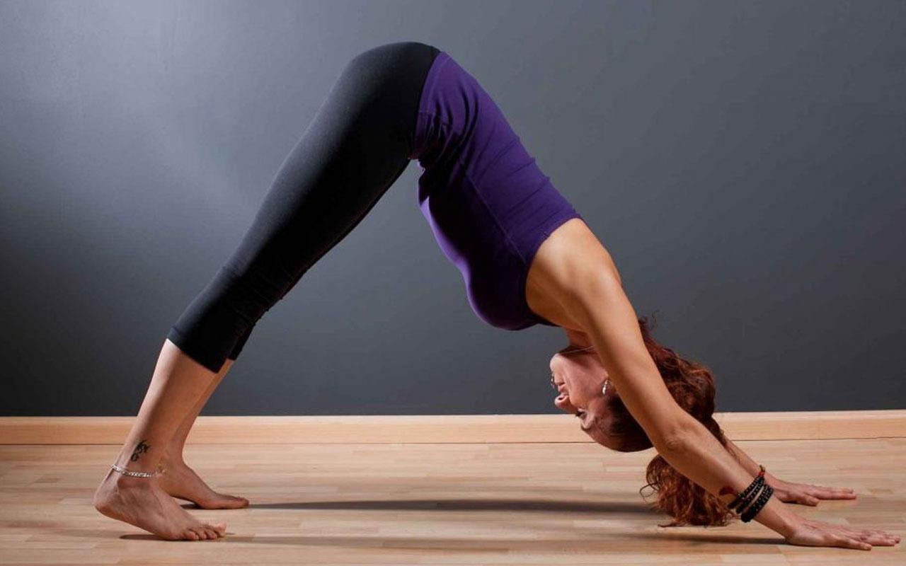 Herkesin yapabileceği sırt ağrılarına birebir 6 yoga hareketi