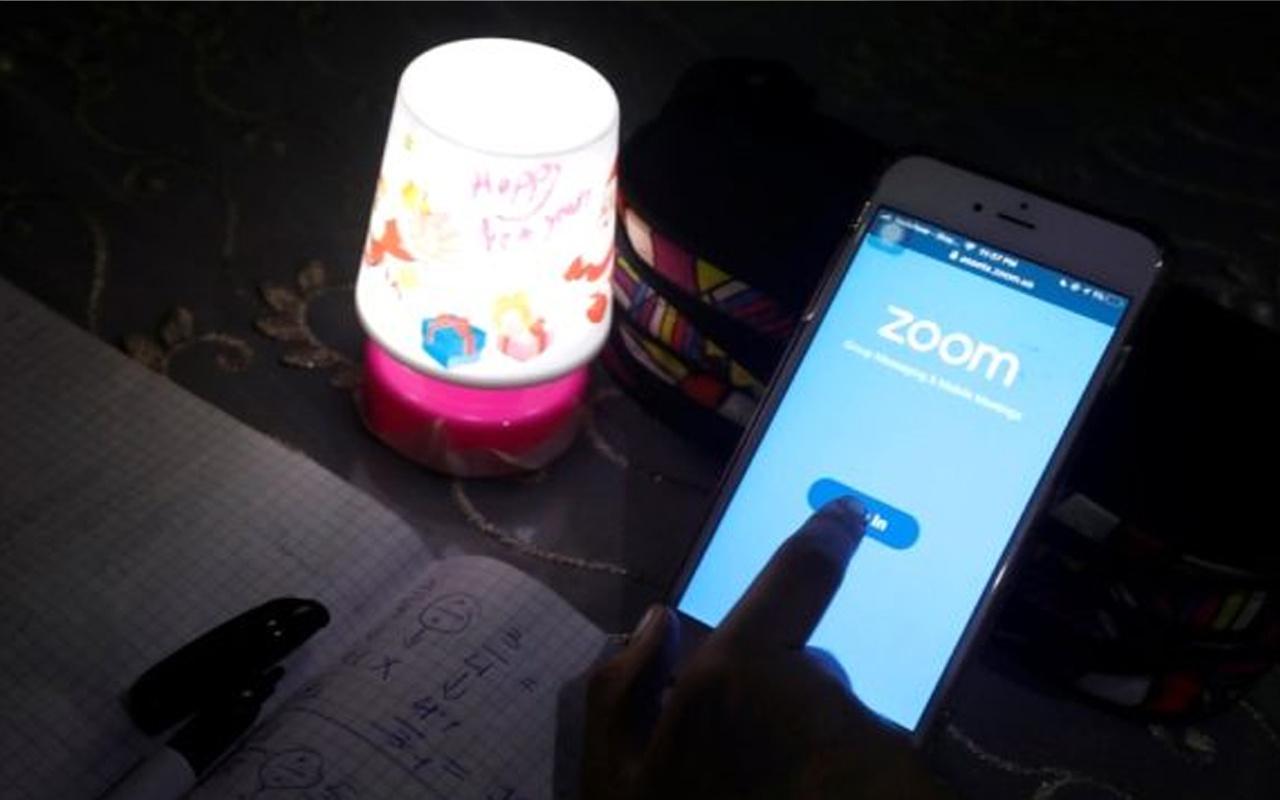 Singapur'da Zoom uygulaması yasaklandı! Cinsel içerikli görüntüler yayınladılar