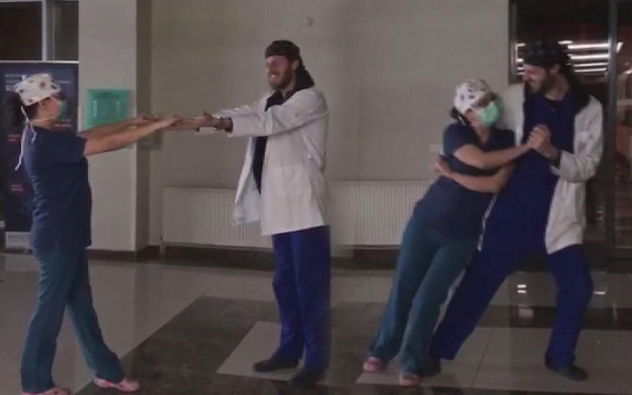 İstanbul'da sağlık çalışanı çift düğün danslarını hastanede yaptı
